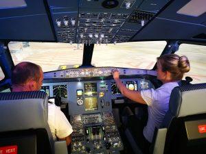 Voreinstellungen treffen im A320 Flugsimulator für den Start.