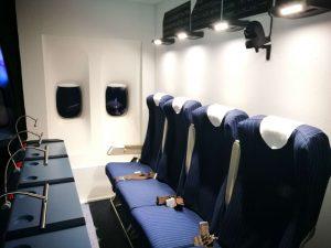 Sitzplätze für die Begleitung im A320 Flugsimulator.